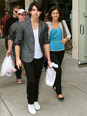OUT TO LUNCH photo  Joe Jonas, Jonas Brothers