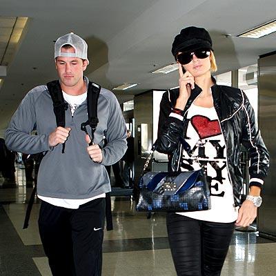 TRAVEL BUDDIES photo | Paris Hilton