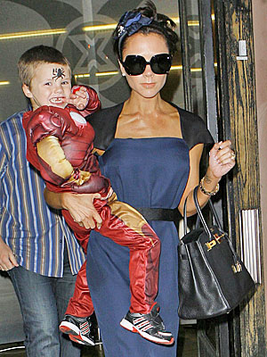 COSTUME PARTY photo | Victoria Beckham