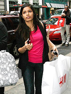 BARGAIN SHOPPER photo | Freida Pinto