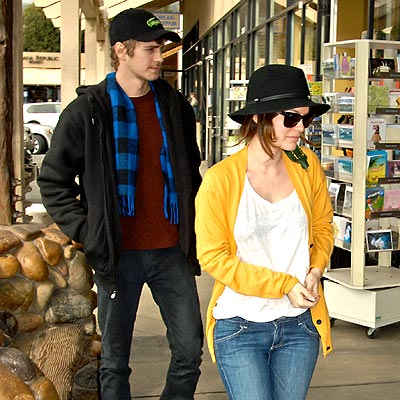 STEPPING OUT photo | Hayden Christensen, Rachel Bilson