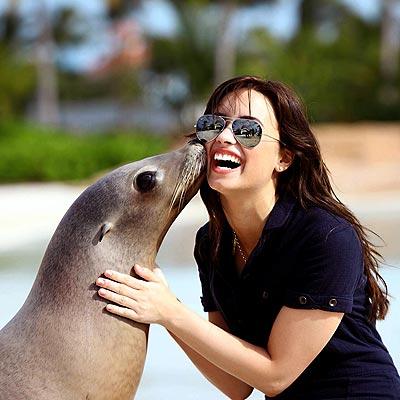 GETTING CHEEKY photo   Demi Lovato