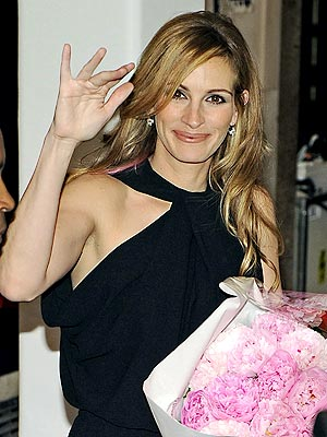 IN THE PINK  photo | Julia Roberts
