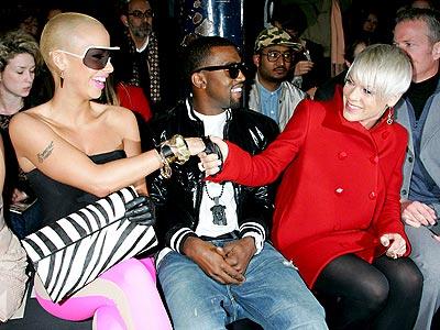 FEMALE 'BLONDING' photo | Kanye West, Pink
