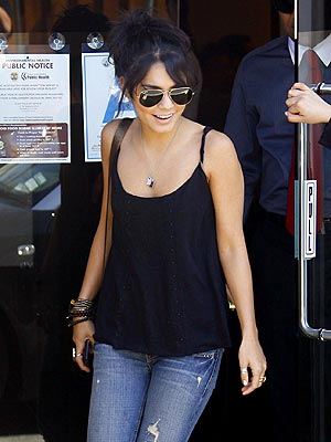 LUNCH RUSH photo | Vanessa Hudgens
