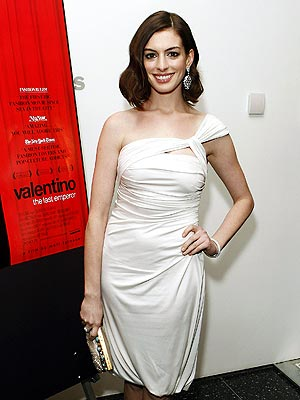 WHITE OUT photo | Anne Hathaway