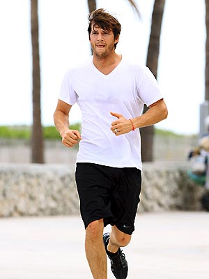 RUNNING MAN photo | Ashton Kutcher