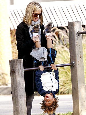 HANG TIME photo | Heidi Klum