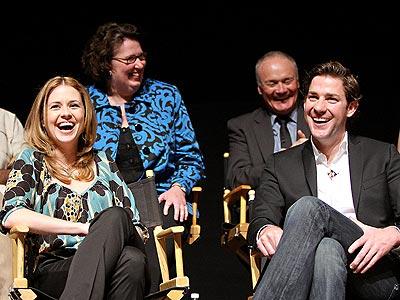 EXTRACURRICULAR ACTIVITY photo | Jenna Fischer, John Krasinski