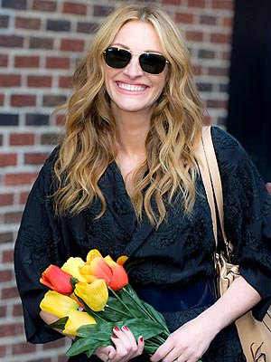 FLOWER DELIVERY photo | Julia Roberts