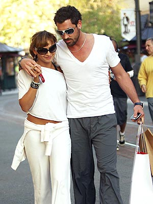 'DANCING' PARTNERS photo | Karina Smirnoff, Maksim Chmerkovskiy