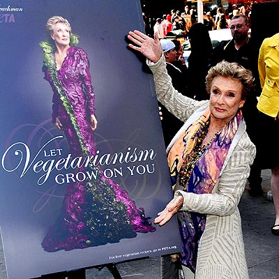 POSTER GIRL photo | Cloris Leachman