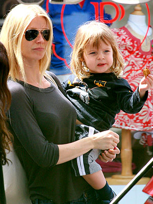 Gwyneth Paltrow and Moses: On the Lookout