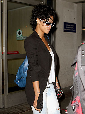 LANDING GEAR photo | Rihanna