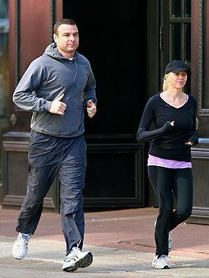 ON THE RUN photo   Liev Schreiber, Naomi Watts