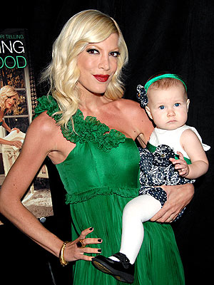 'MOMMY' & ME photo | Tori Spelling