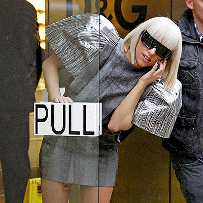 SHE'S GOT PULL photo | Lady Gaga