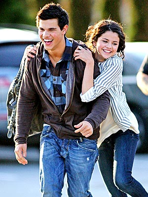 HANG TIME   photo | Selena Gomez, Taylor Lautner