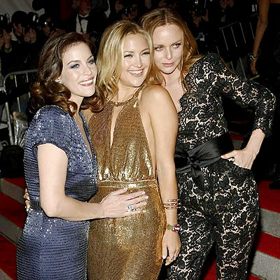 THREE'S COMPANY photo | Kate Hudson, Liv Tyler, Stella McCartney