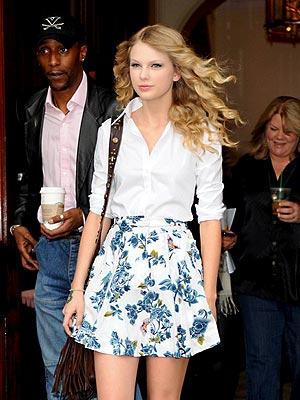 IN BLOOM photo   Taylor Swift