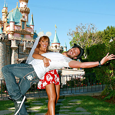 ALL THE RIGHT MOVES photo | Karina Smirnoff, Maksim Chmerkovskiy