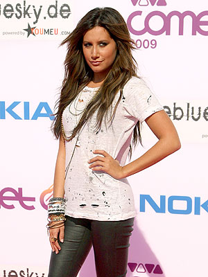 SHE'S GOT THE LOOK photo | Ashley Tisdale