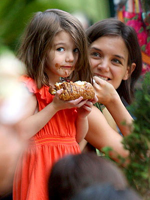 SWEET FACE photo | Katie Holmes, Suri Cruise
