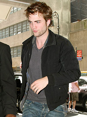 STREET SCENE photo | Robert Pattinson