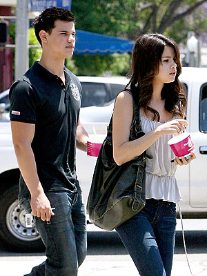 HOW SWEET IT IS photo | Selena Gomez, Taylor Lautner