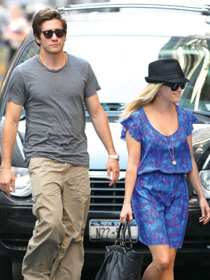 CITY WALK photo | Jake Gyllenhaal, Reese Witherspoon