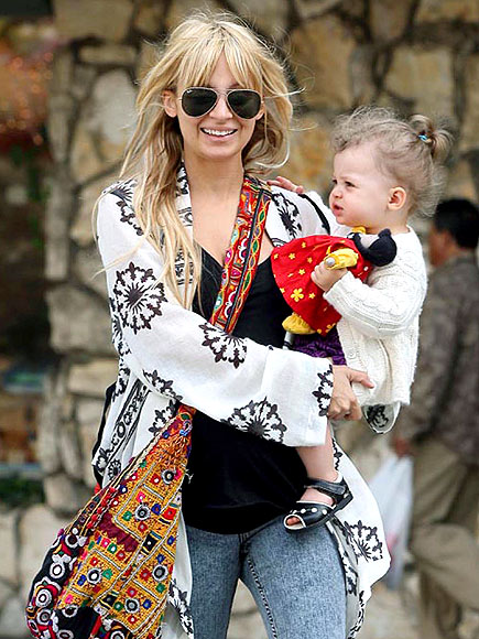 FIT IN PRINTS photo | Nicole Richie