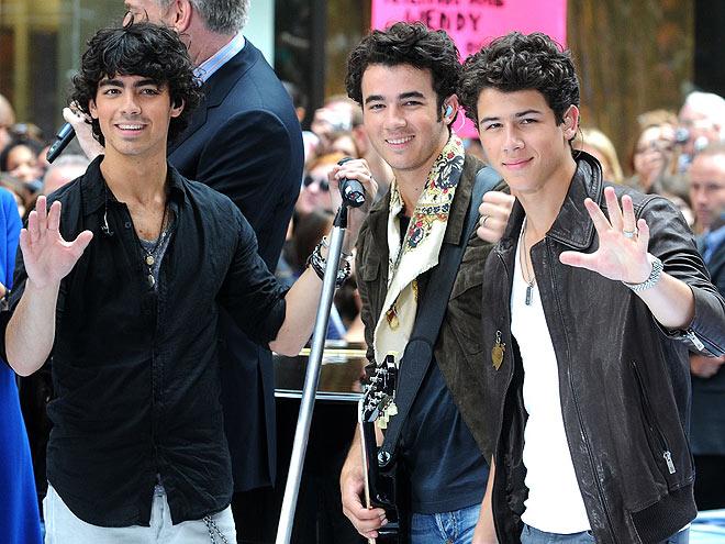 La Usurpadora [Nick & Tu] - Página 4 Jonas-brothers-660