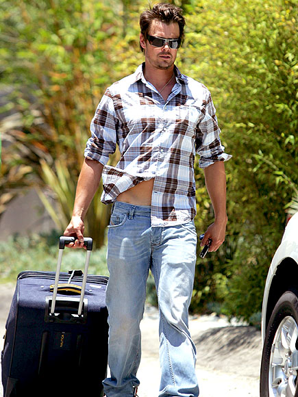 BAGGAGE CARRIER photo | Josh Duhamel