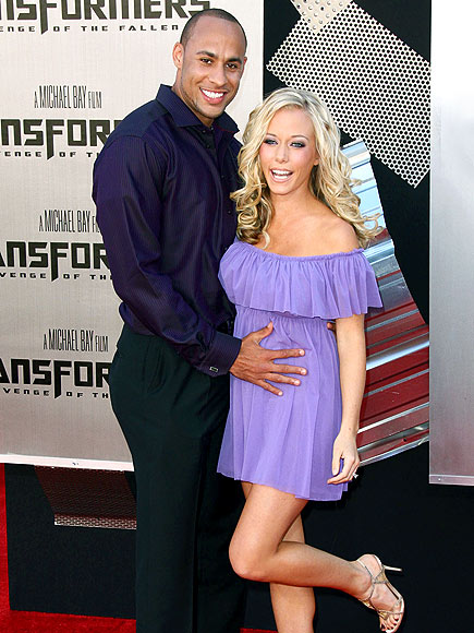 GETTING HER KICKS photo | Kendra Wilkinson
