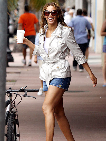 THE THIGH'S THE LIMIT photo   Beyonce Knowles