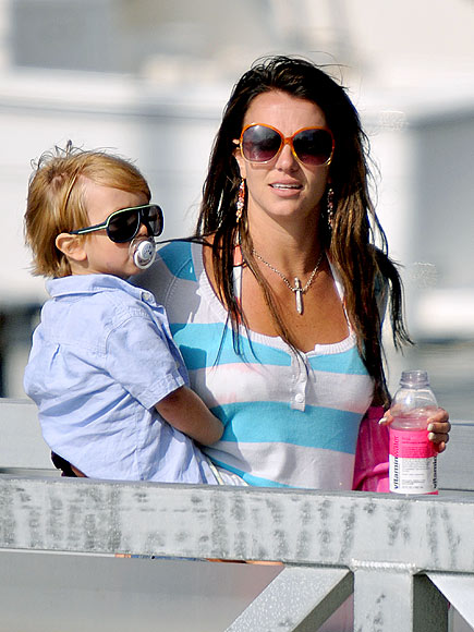 MOMMY & ME photo | Britney Spears
