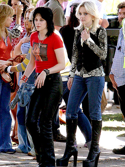 ROCKER CHICKS photo | Dakota Fanning, Kristen Stewart