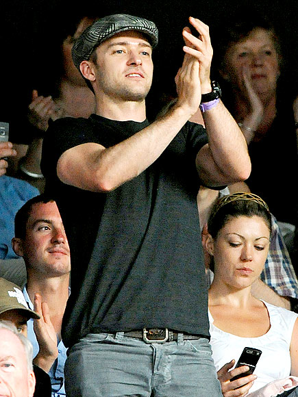 CHEERING SECTION photo | Justin Timberlake