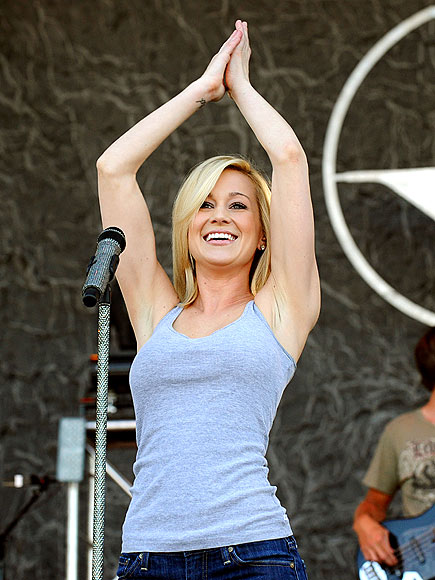BIRTHDAY GIRL photo | Kellie Pickler