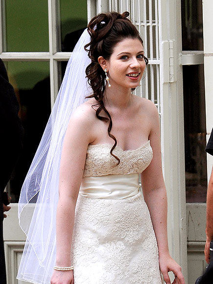 BLUSHING BRIDE photo | Michelle Trachtenberg