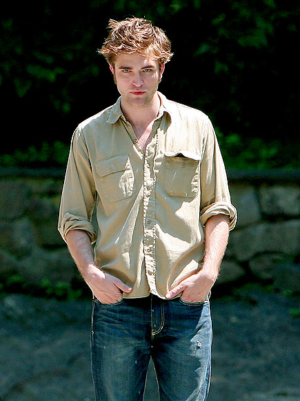 LOOK OUT photo | Robert Pattinson