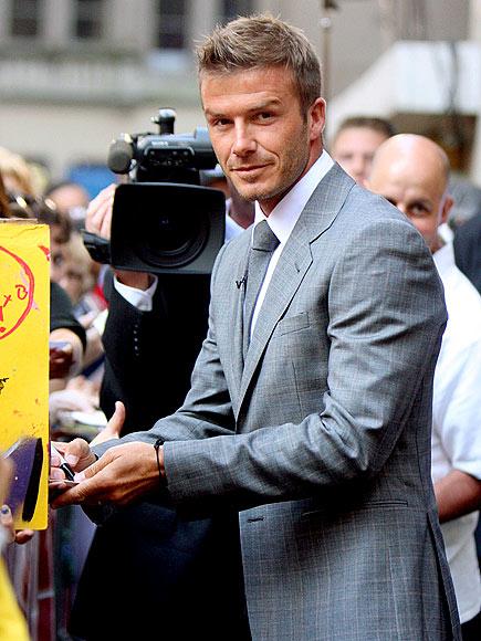 ON HIS MARK   photo   David Beckham