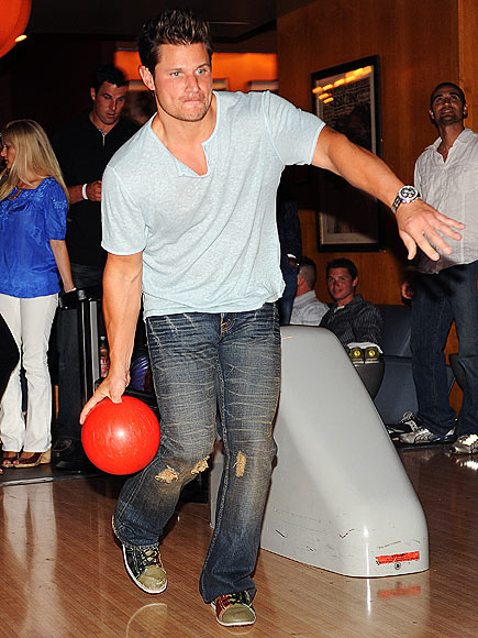 ROLL WITH IT photo   Nick Lachey