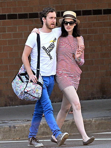 IN STEP photo | Anne Hathaway