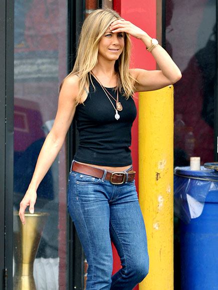 ON THE LOOKOUT photo | Jennifer Aniston