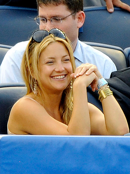 THE 'IN'-NING CROWD photo | Kate Hudson