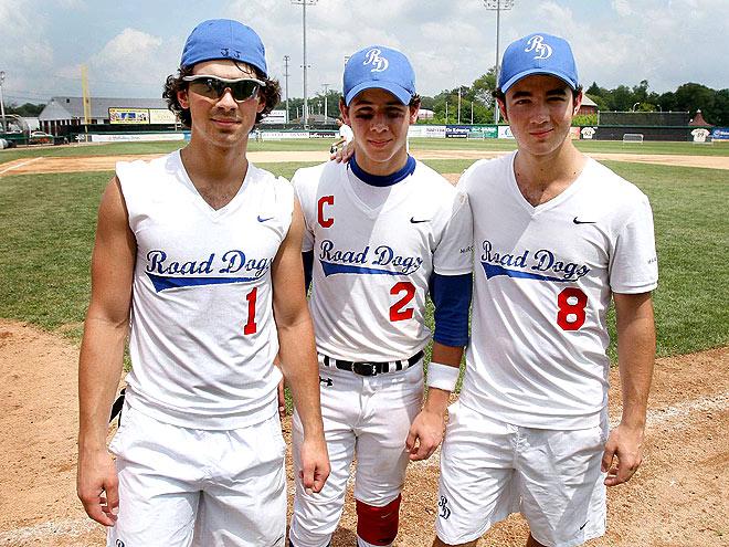 SWING KIDS photo   Joe Jonas, Jonas Brothers, Kevin Jonas, Nick Jonas