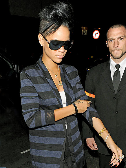 Rihanna's hairstyle: Rihanna short hair