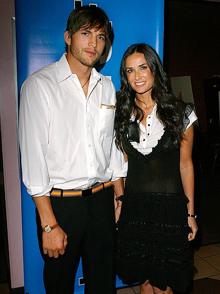 SUPPORT NETWORK photo | Ashton Kutcher, Demi Moore