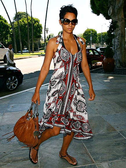 FIT IN PRINT photo | Halle Berry